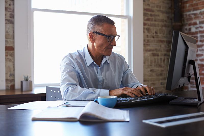 Vuelta a la rutina: mejora tu ergonomía visual